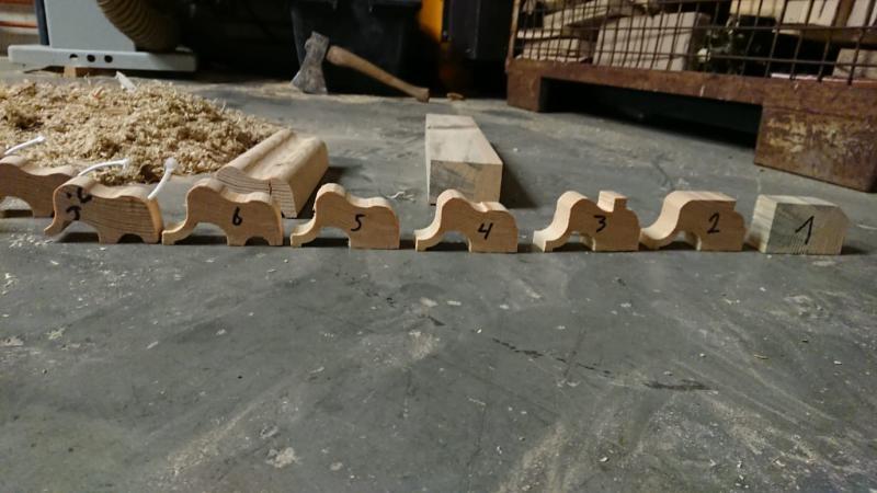 kleine Holzelefanten für den Kindergarten