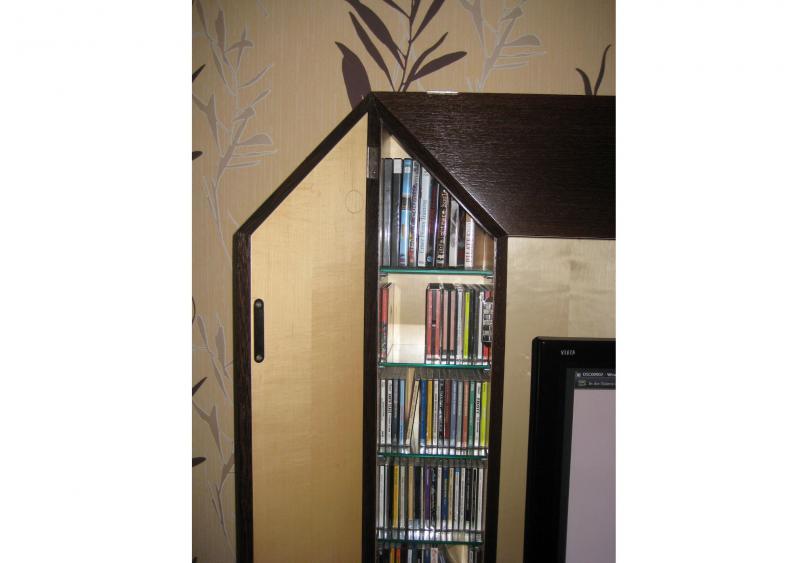 CD-Fächer beidseitig, kanadischer Ahorn und dunkles Wenge-Holz